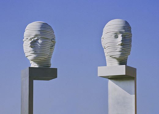 G�NSCHEL & SMOLKA, Heads shifting (2004/2008). Humboldt University. Berlin (Germany)